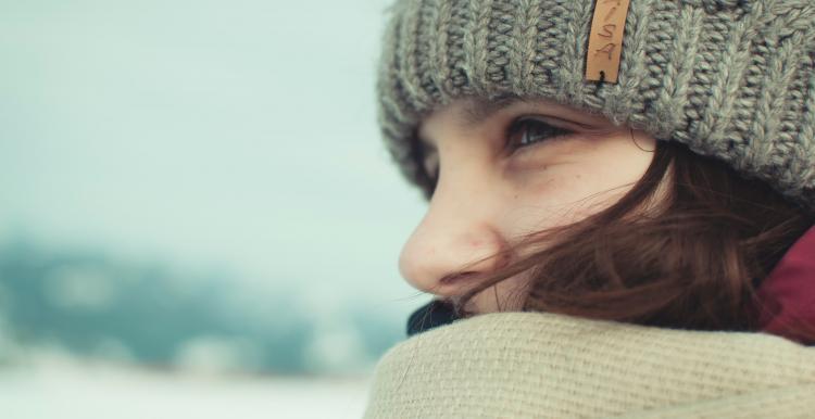 woman wearing a woolly hat
